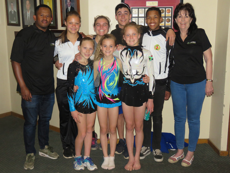 Tseba Tanks Golf Day - gymnasts and Tseba Tanks staff